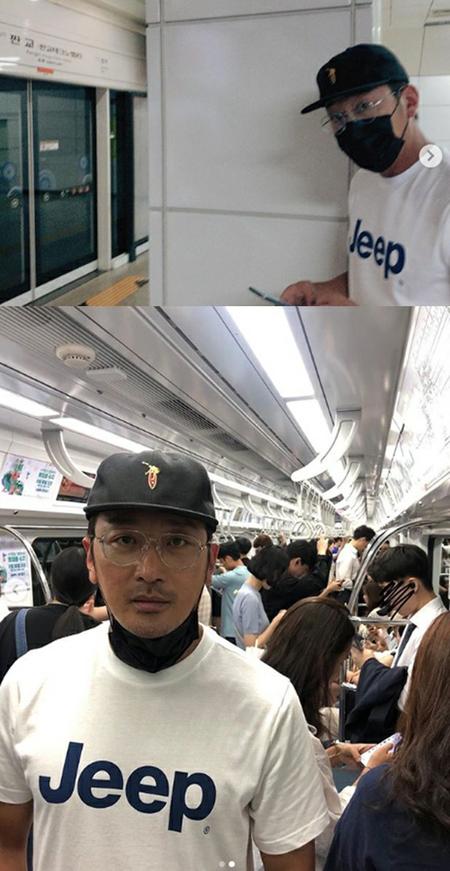 韓国俳優ハ・ジョンウが、地下鉄を利用している様子が公開されて話題になっている。(写真提供:OSEN)