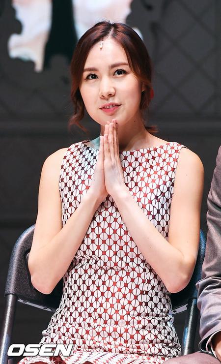 第一世代アイドル「Baby V.O.X」出身カン・ミヨン、年下俳優ファン・バウルと結婚へ(画像提供:OSEN)