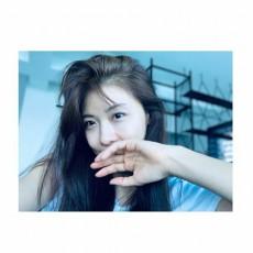 韓国女優ハ・ジウォンが公開したグラビアのような自撮り写真が話題になっている。(写真提供:OSEN)