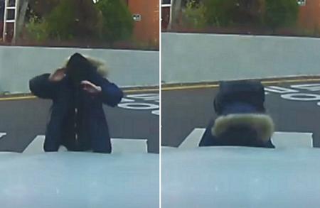 2年前の韓国センター試験、会場前で息子が父親へ感謝のサプライズ… 感動の場面が話題に(画像:画面キャプチャ)
