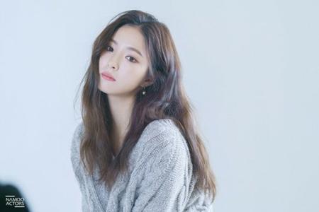 韓国女優シン・セギョンが、ファンミーティング開催を控えてポスター撮影現場を公開した。(写真提供:OSEN)