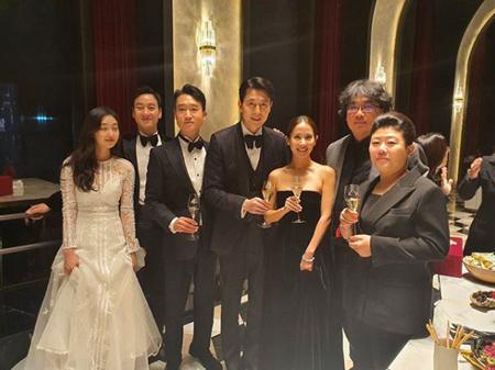 俳優チョン・ウソン、青龍映画賞アフターパーティーを公開 「皆さんへ感謝」(画像:OSEN)